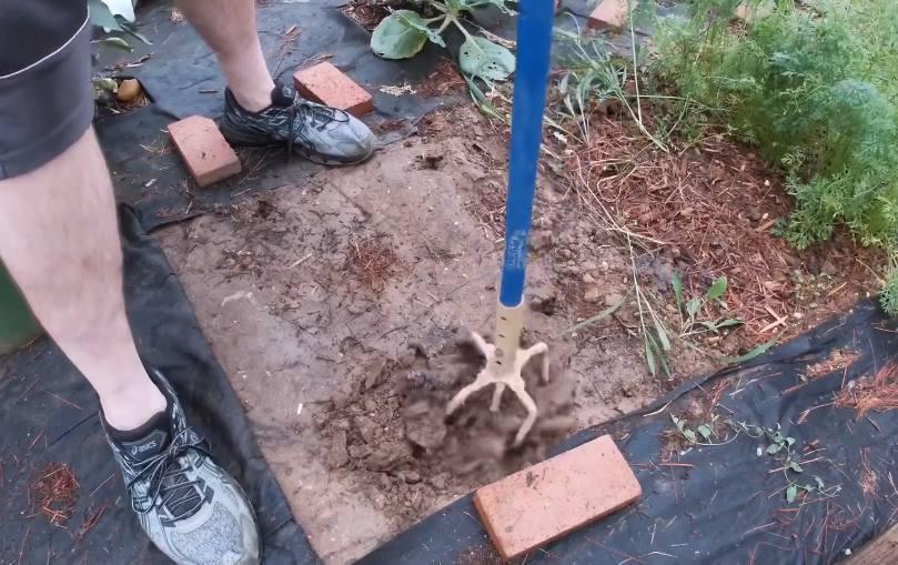 spulchniacz glebowy